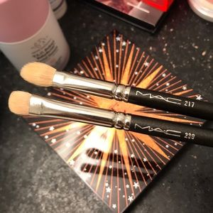 MAC 239 and 217 brushes